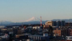 ベランダから見る富士山の画像